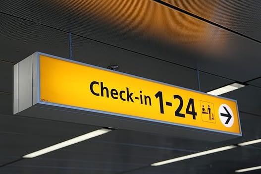 airport-20543_640